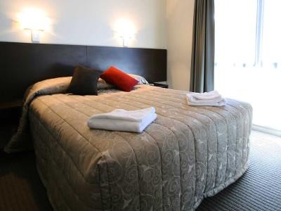 2 bedroom standard double/queen