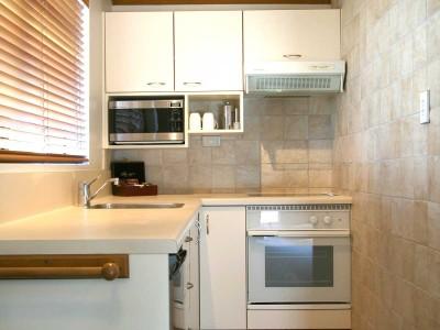 2 bedroom standard kitchen